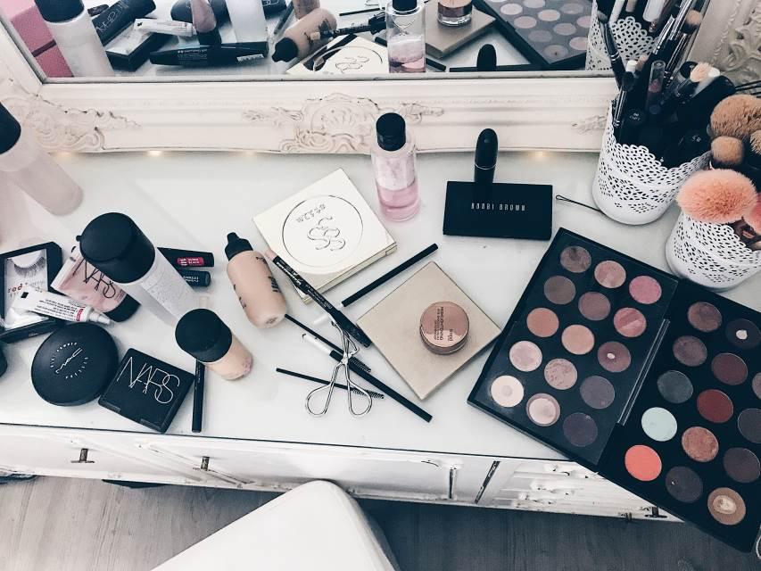 Farina Witt, mobile Visagistin, mobiler Brautstyling Service, makeup artist, hairstylist, brautstyling, hochzeit, makeup, mobilier Brautservice, haare und makeup, Hochzeit, Wedding, NRW, Ruhrgebiet , Beauty blog