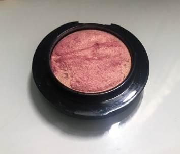 Farina Witt, Makeup Artist, Tipps zur Pflege der Haut, Petal Power Mineralize Rouge von MAC
